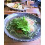 沖縄にて。フーチバそばを食す。