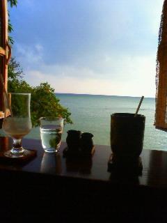 浜辺の茶屋にて